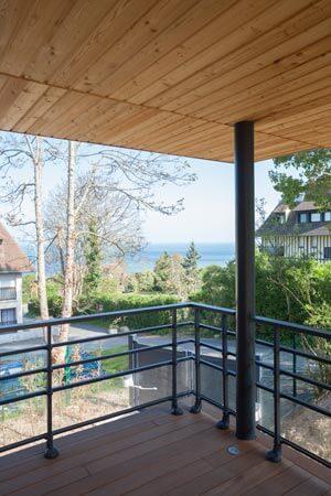 Maison ossature bois vue du balcon